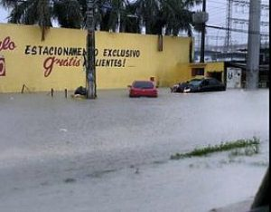 ruas que viraram rios em Manaus
