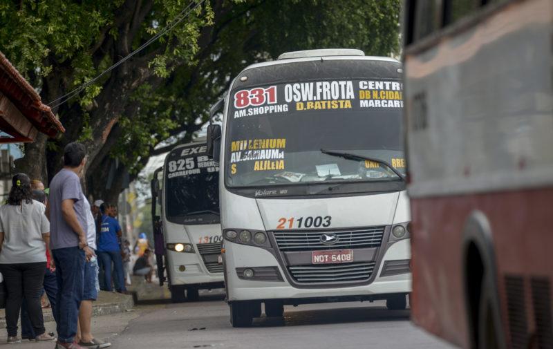 Justiça obriga SMTU a retirar ônibus clandestinos das ruas de Manaus