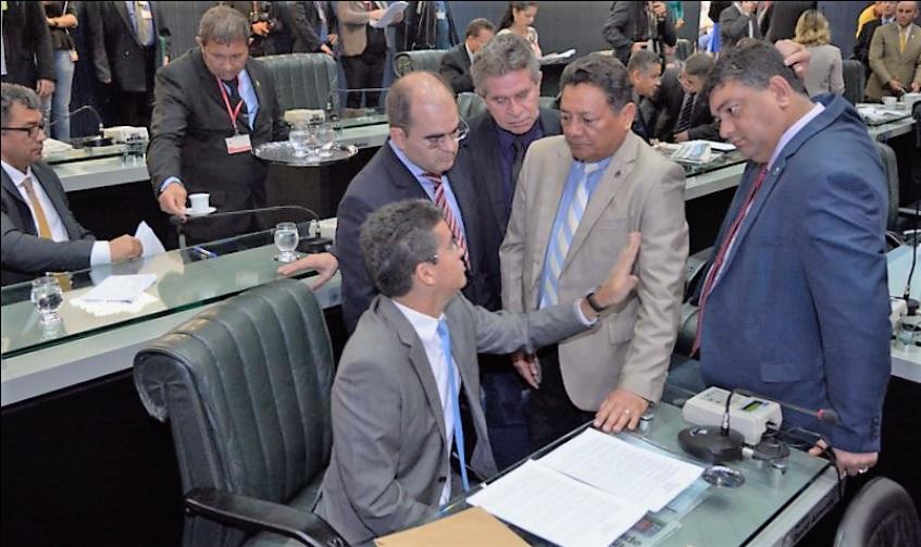 Com perdas nos últimos meses, PSD e PSDB fazem reposição na ALEAM
