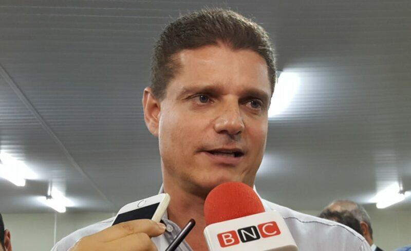 Vice-prefeito de Manaus se reúne com Bolsonaro e pede gabinete de crise