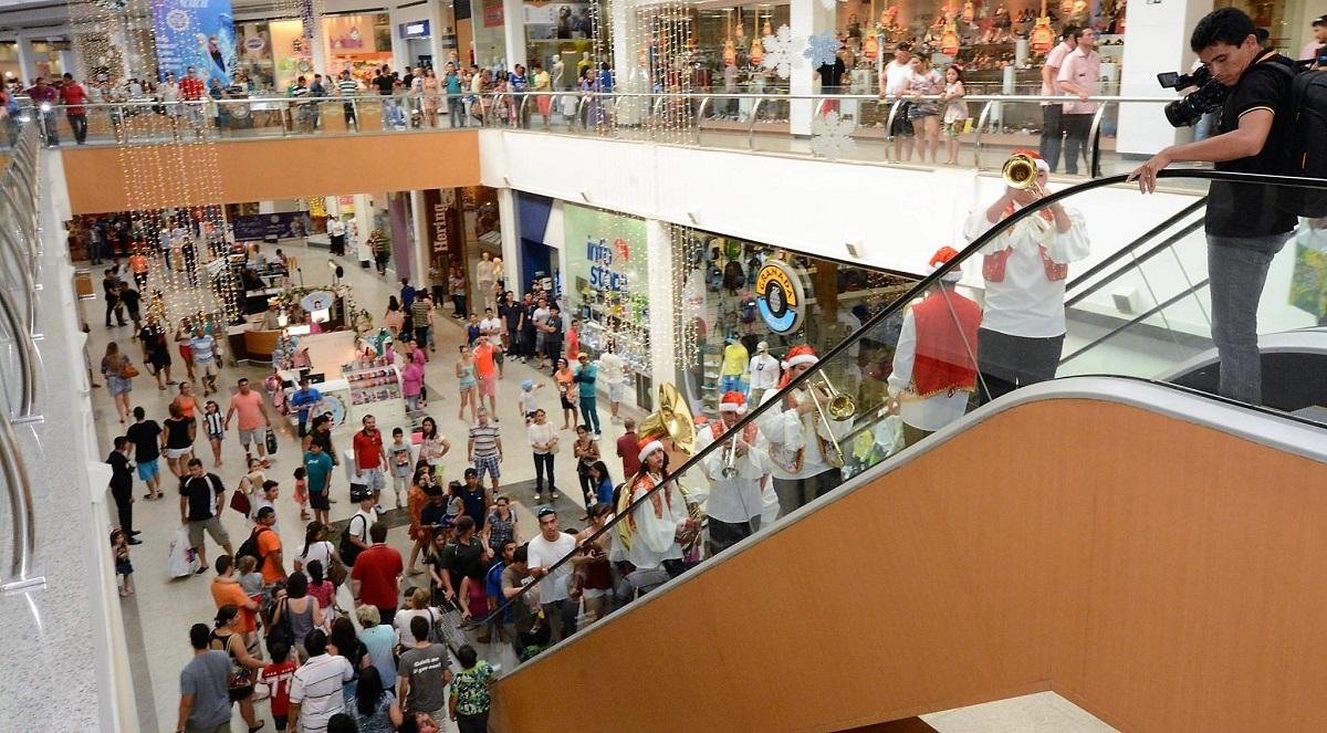 Coronavírus faz Amazonas Shopping e Manauara suspenderem atividades
