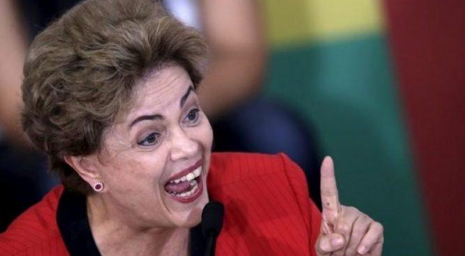 """Chamada de """"bandida"""" em voo, Dilma reage: """"Ótimo é Bolsonaro"""""""