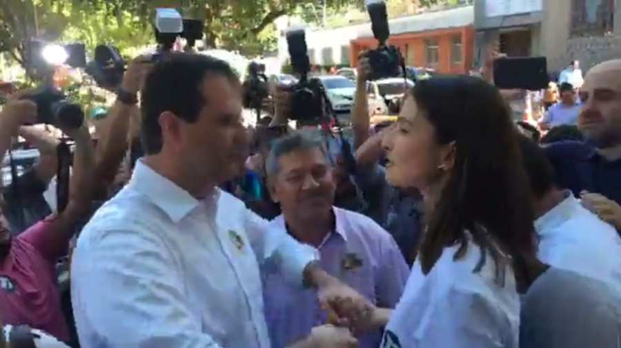 Marcelo e Rebecca protagonizam fair play na hora do voto