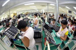 Trabalhadores da Zona Franca de Manaus. Foto: Alex Pazuelo/Agecom