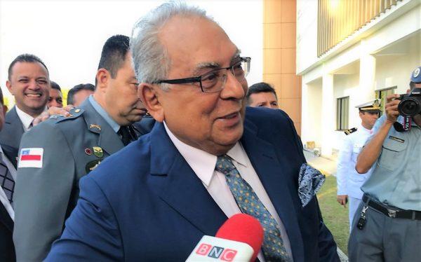 Amazonino passa caixa do governo a Wilson sem rombo, diz Estadão