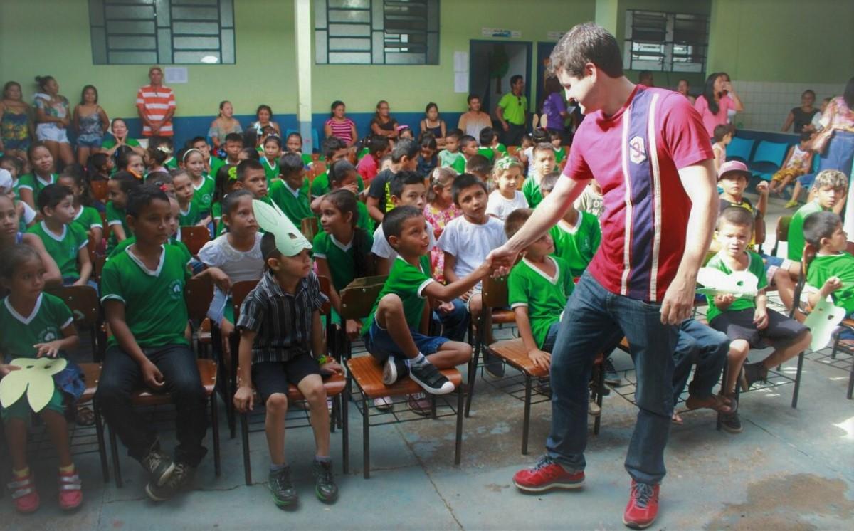 Falabella lança processo seletivo para 136 professores em Urucará