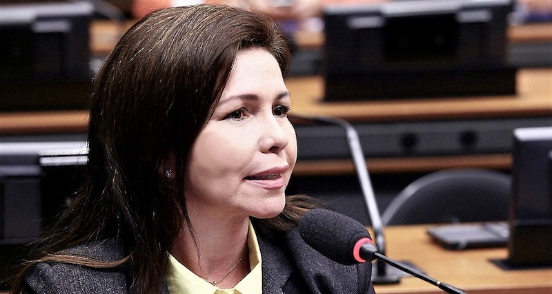 Conceição vai à Band e se despede do PP e de Rebecca Garcia