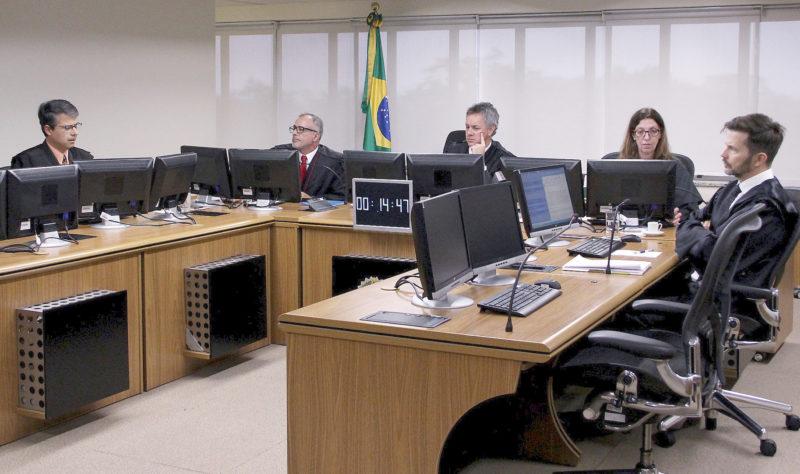 Relator da Lava Jato no TRF-4 defende julgamentos sobre Lula