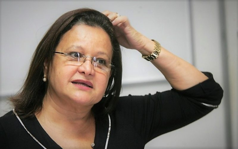 Ex-secretária da Seinfra, Waldívia Alencar, é presa durante operação