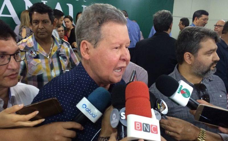 Arthur traça perfil do seu candidato e fala de David Almeida com carinho