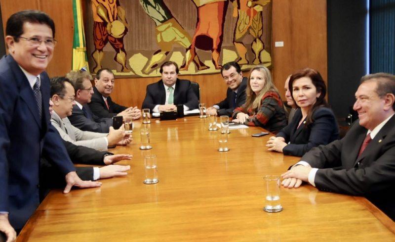 Maia diz à bancada do AM que vota decreto do concentrado em agosto