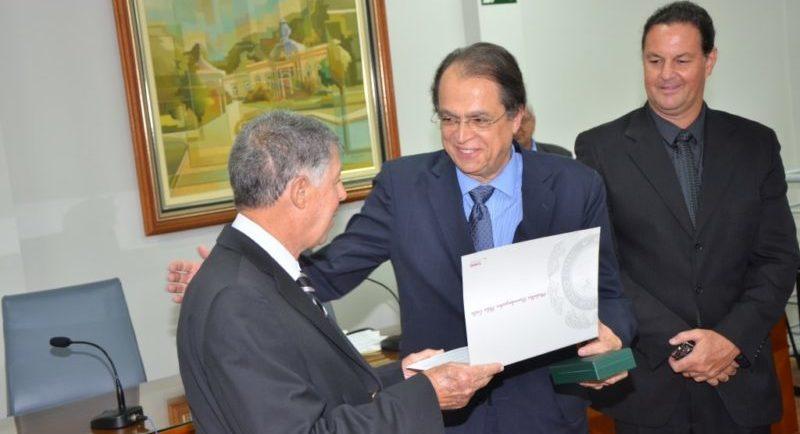 ADVOGADO ASSUME MINISTERIO TRABALHO