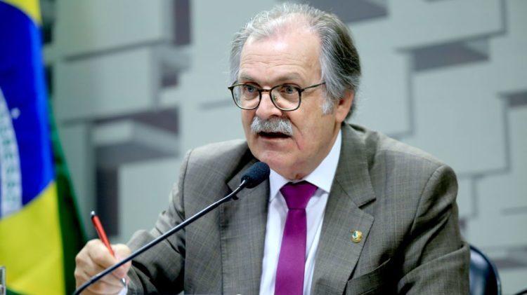 Relator da LDO veta renúncia fiscal, reduz custeio e congela salários