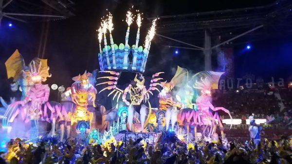 Impactante, Caprichoso fecha o Festival esbanjando criatividade