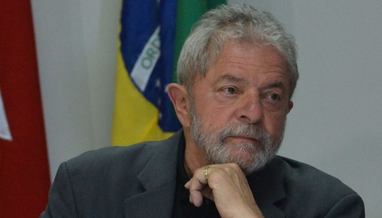 Lula desiste do pedido liberdade para ganhar em outro recurso no STF