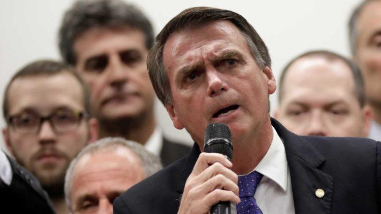 """Bolsonaro: Inpe """"prejudica"""" país com divulgação do desmatamento"""