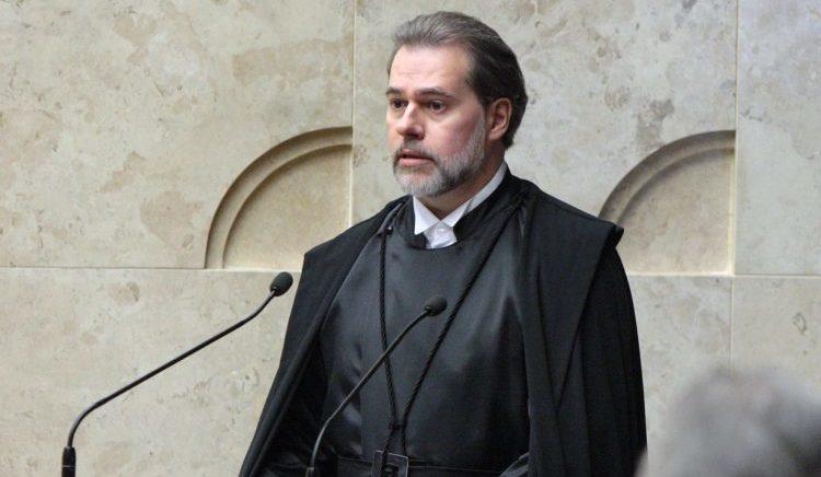 Dias Toffoli assume o Supremo como o mais jovem presidente da corte