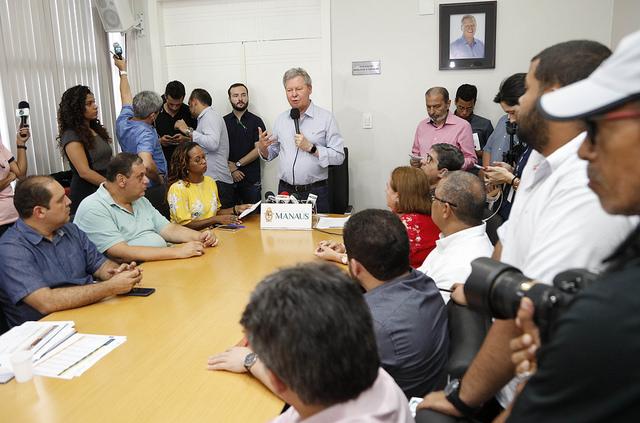 Valorização do professor é tratada como prioridade, diz Arthur Virgílio