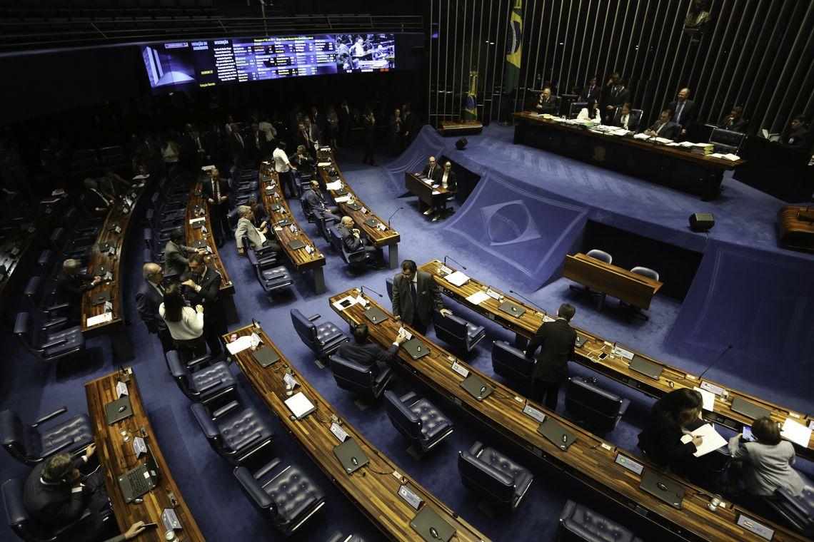 No Senado Federal apenas 8, dos 33 que tentaram a reeleição, vão continuar