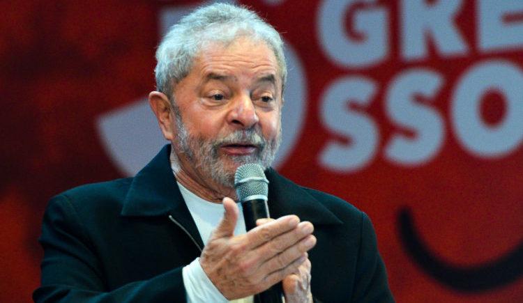 Lula se apaixona por mulher de 40 e quer casar quando deixar prisão