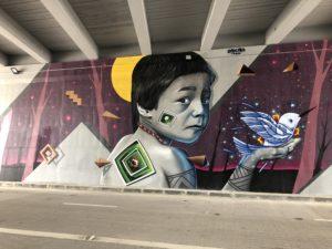 Grafite na avenida das Flores . Foto: Israel Conte/bnc