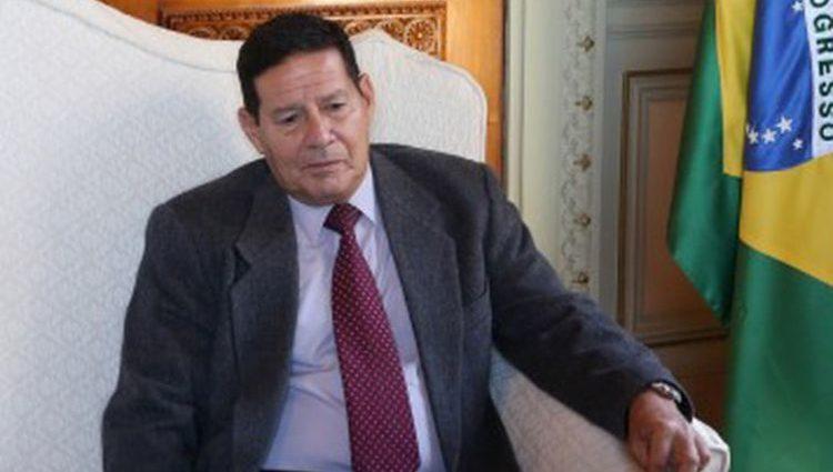 Mourão avalia pedido de ongs e agronegócio para conter desmatamento