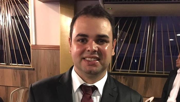 Deputado eleito assume vaga de vereador em Manaus