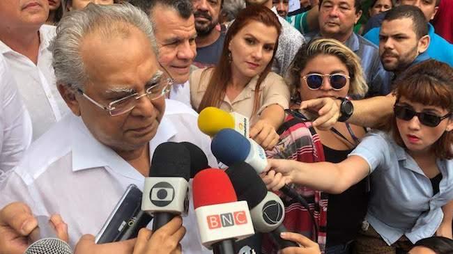 Amazonino lidera nova pesquisa e Alberto Neto já supera José Ricardo
