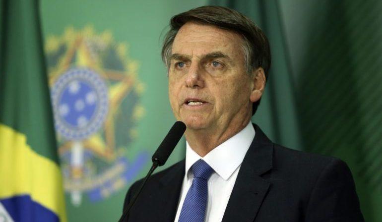 """Para Bolsonaro, """"algo está sendo feito errado"""" em barragem de Minas"""