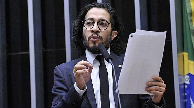 Bolsonaro é condenado a pagar R$ 2,6 mil para Jean Wyllys