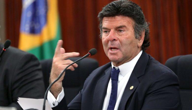 STF pede investigação de denúncia de superfaturamento contra Bolsonaro