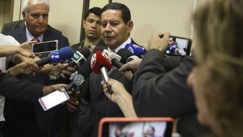 Diante da morte no Carrefour, Mourão diz que não há racismo no país