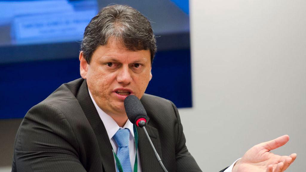 Ministro vai percorrer a BR-319 que ainda não é prioridade de Bolsonaro