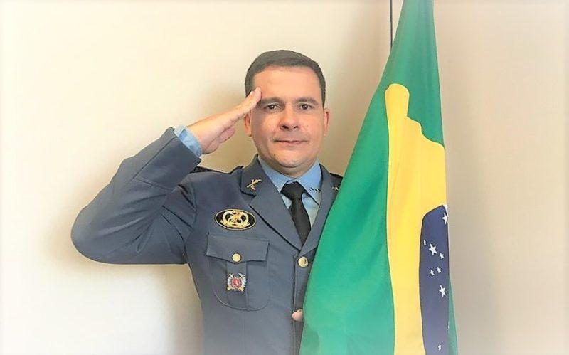 Capitão Alberto Neto faz cobrança ao capitão Bolsonaro