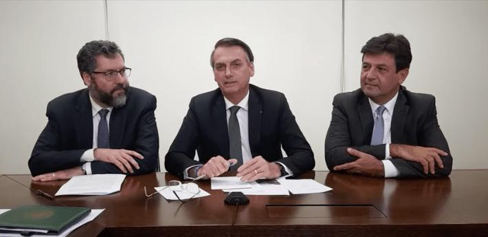 Bolsonaro e ministro -min