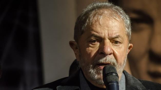 Lula diz que levará seu diploma de inocência ao neto e ataca Lava Jato
