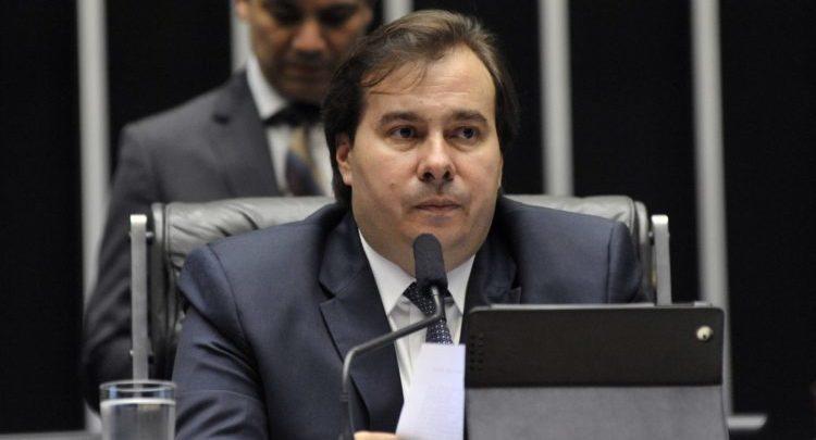 Rodrigo Maia segura, na Câmara, projeto anticrime de Sergio Moro