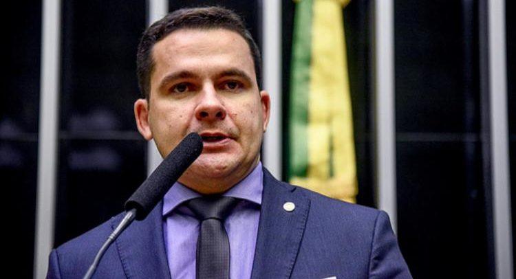 """""""Estou decepcionado"""", diz Alberto Neto sobre fala de Guedes"""