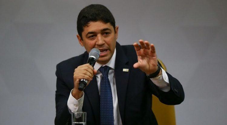 Omar Aziz quer enquadrar ministro da CGU no relatório final da CPI da covid