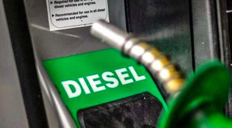 Petrobrás anuncia aumento de 10 centavos no litro do óleo diesel