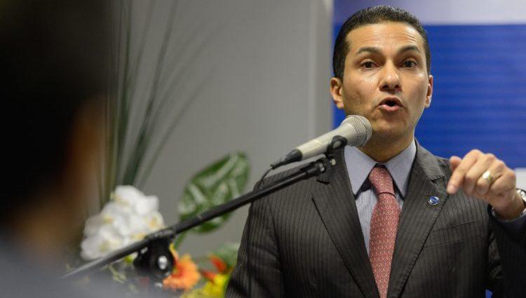 PRB recua e apoia nova Previdência em troca de atenção do governo