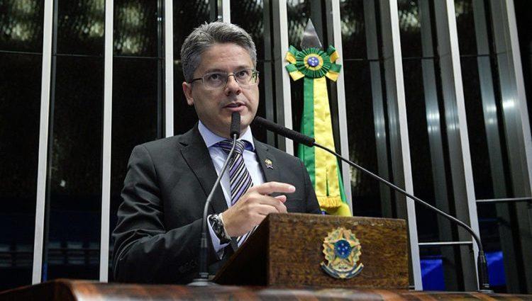 Senadores pedem impeachment de Toffoli e Alexandre de Moraes