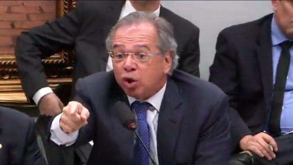 """""""Filho do Dirceu tinha razão? Paulo Guedes é tchutchuca?"""", ironiza juiz"""