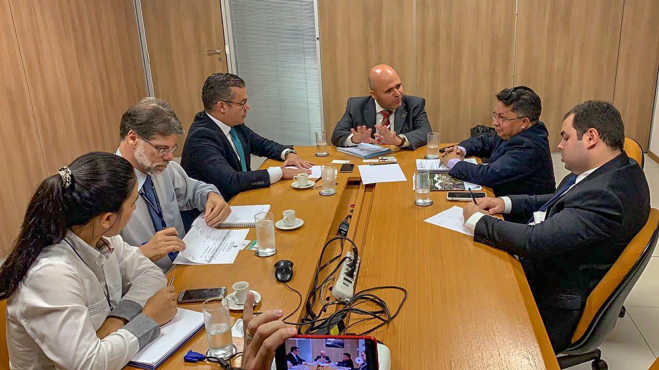 Em Brasília, deputados apresentam nova rota comercial Manta-Manaus