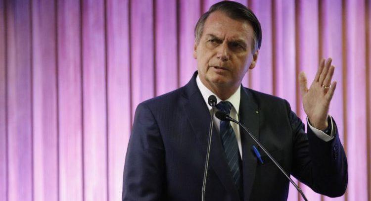 Bolsonaro se queixa dos políticos que não deixam o Brasil avançar