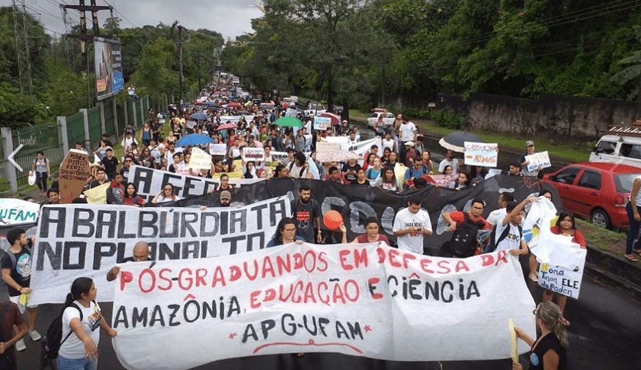 Protesto Ufam e Ifam. Foto: Reprodução/Adua