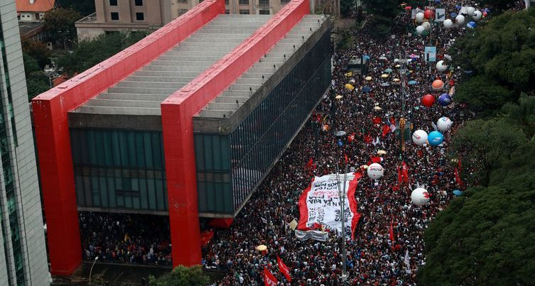 Estudantes promovem protesto virtual contra Bolsonaro na sexta