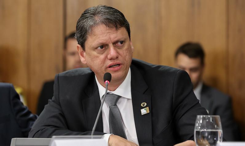 Maio passa e nada da expedição do ministro Tarcísio pela BR-319