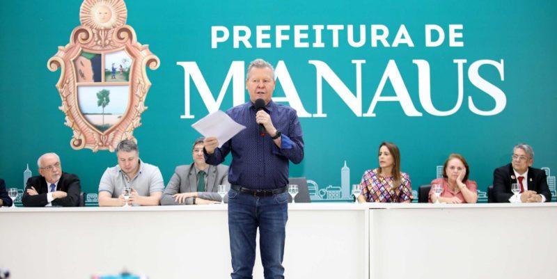 Arthur antecipa parcela do 13º e injeta R$ 220,4 milhões na economia