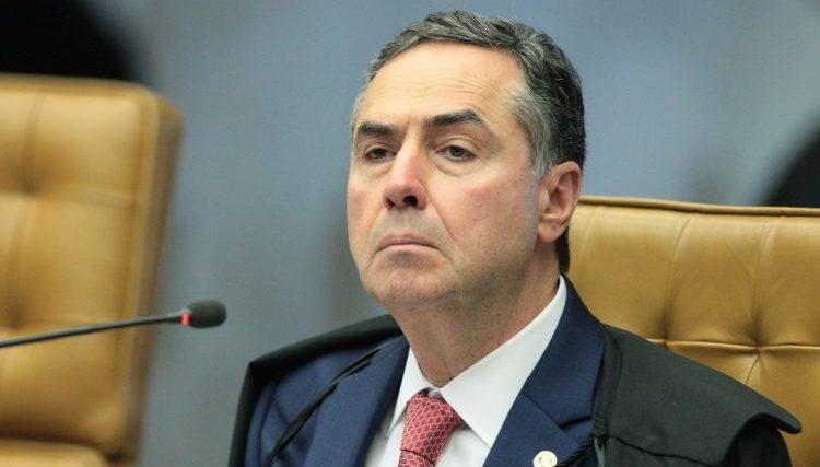 """MP do """"quem manda sou eu"""" de Bolsonaro é suspensa no STF"""